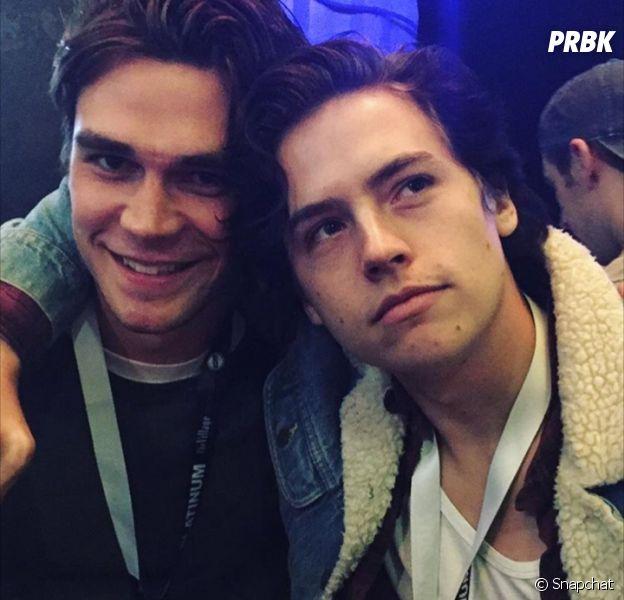 Cole Sprouse (Riverdale) et K.J. Apa au festivalSouth by Southwest à Austin