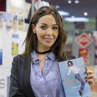 """Nabilla Benattia : après """"Trop vite"""", elle sort un deuxième livre pour devenir la """"Reine du buzz"""" !"""