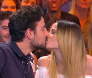 Capucine Anav embrasse l'humoriste Maxime Gasteuil dans TPMP avant de faire une blague coquine !