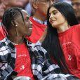 Kylie Jenner s'éclate avec Travis Scott : elle serait de nouveau en couple avec Tyga mais dans une relation libre.