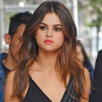 Selena Gomez sexy pour The Weeknd : robe transparente, sans soutien-gorge, elle la joue hot ! 🔥
