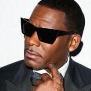 """R. Kelly en plein scandale : le chanteur accusé de retenir des filles """"dans une secte"""" sexuelle"""