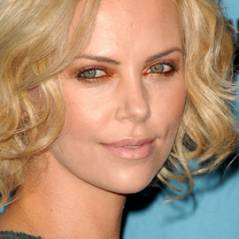 Charlize Theron sort avec ... Keanu Reeves