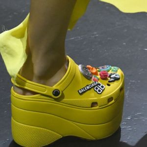 Crocs X Balenciaga : la collab la plus flippante de la fashion week ?