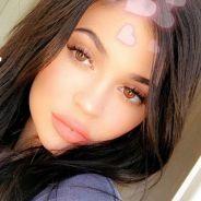 Kylie Jenner enceinte et fiancée à Travis Scott ? La bague qui sème le doute