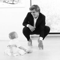 Antoine Griezmann pose avec sa fille Mia et dévoile enfin son visage ! 👶