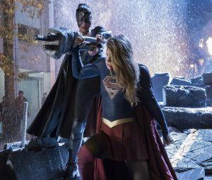 Supergirl saison 3 : Kara dans le coma après son combat contre Reign dans l'épisode 9