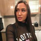 Astrid Nelsia (Friends Trip 4) célibataire : trompée par Sisika, elle s'est séparée de lui