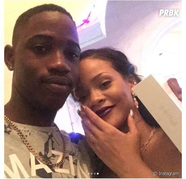 Rihanna en deui : son cousin de 21 ans, blessé par balles, est mort !