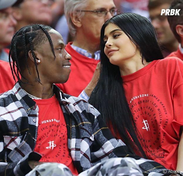 Kylie Jenner enceinte ? Son chéri Travis Scott sème le doute