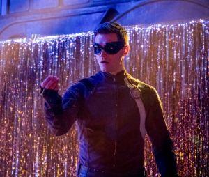 The Flash saison 4 : découvrez le nouveau costume de Ralph, Barry en danger