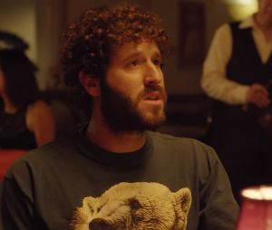 "Clip ""Freaky Friday"" : Lil Dicky dans la peau de Chris Brown, Ed Sheeran, DJ Khaled... et Kendall Jenner !"