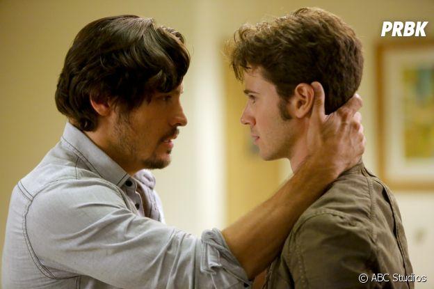 Connor Paolo et Nick Wechsler dans Revenge