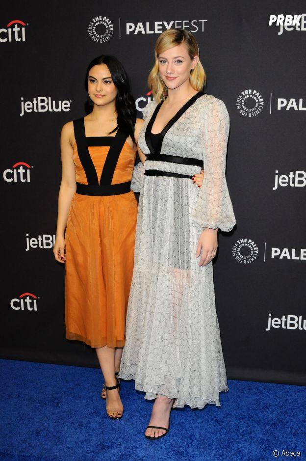 Camila Mendes et Lili Reinhart au panel de Riverdale lors du PaleyFest le 25 mars 2017 à Los Angeles