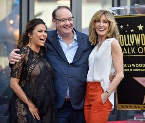 Desperate Housewives : Marc Cherry pose avec Eva Longoria et Felicity Huffman