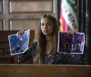 13 Reasons Why saison 2 : Jessica témoigne sur une photo