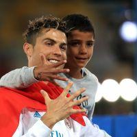 Cristiano Ronaldo : son fils déjà prêt à prendre la relève ! ️Et hop, la lucarne ! ⚽️