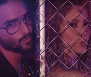 """Clandestino"" : Shakira et Maluma se cherchent dans un clip caliente"
