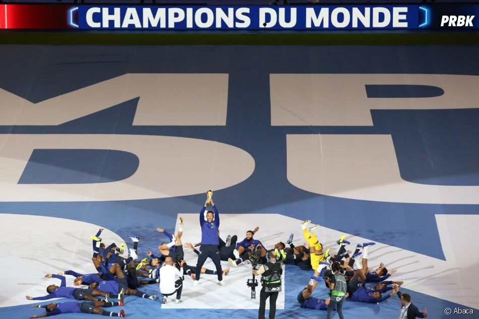 Les Bleus célèbrent leur victoire au Stade de France le 9 septembre 2018