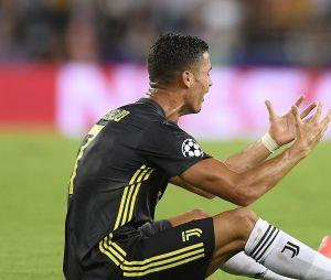 Cristiano Ronaldo en pleurs après son carton rouge