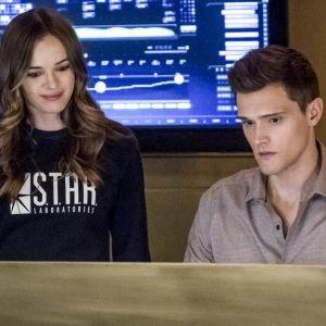 The Flash saison 5 : Caitlin et Ralph bientôt en couple ?