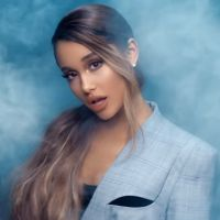 """Clip """"Breathin"""" : Ariana Grande chasse ses idées noires et révèle la tracklist de son futur album ?"""