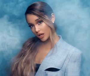 """Clip """"Breathin"""" : Ariana Grande seule et invisible au milieu de la foule"""