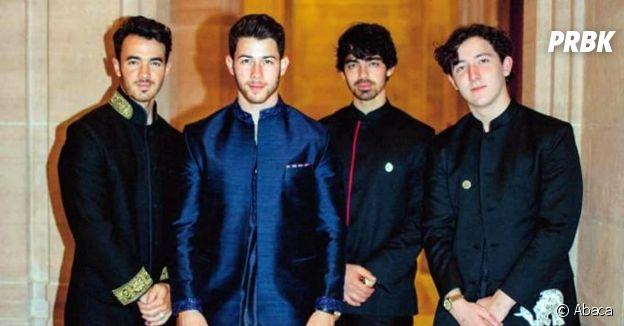 Nick Jonas entouré de ses frères Joe, Kevin et Frankie à son mariage en Inde