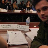 You saison 2 : les acteurs prennent la pose dans les coulisses du tournage