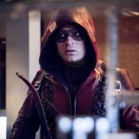 Arrow saison 7 : premières images du retour de Roy dans le présent