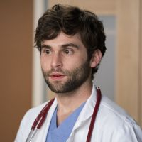 Grey's Anatomy saison 15 : Levi Schmitt (Jake Borelli) ne devait apparaître que dans un épisode