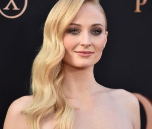 Sophie Turner (Game of Thrones) : avant Joe Jonas, elle voulait pécho Matthew Perry (Friends)