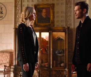 Candice Accola face à Joseph Morgan dans la saison 5 de The Originals
