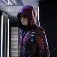 Arrow saison 8 : Roy (Colton Haynes) officiellement de retour dans la série
