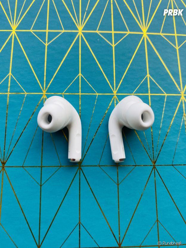 Les AirPods Pro intra-auriculaires avec embouts et réduction active de bruit (supression du bruit)