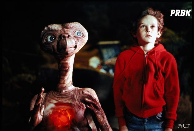E.T. et Elliott dans le film de 1982