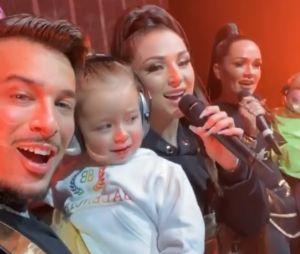 Eva Queen : sa soeur Jazz débarque en famille en plein concert