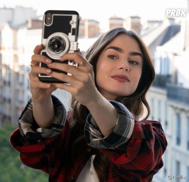 Emily in Paris : Lily Collins raconte ses petites mésaventures sur le tournage