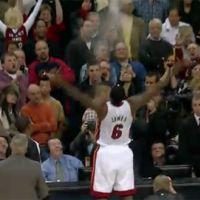 Lebron James de retour à Cleveland ... retour en vidéo sur son match énorme