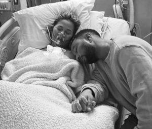 Chrissy Teigen et John Legend annoncent la perte de leur bébé avec des photos déchirantes