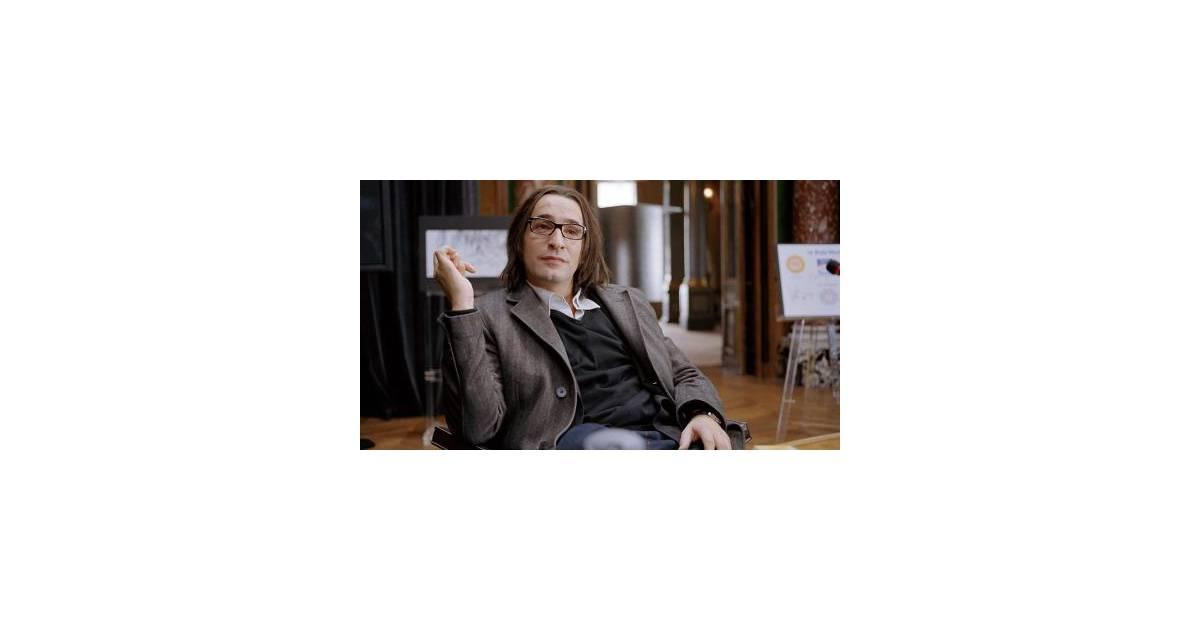 Jean dujardin il jouera dans 99 roubles la suite for Jean dujardin 99 francs streaming