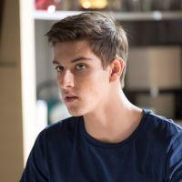 """Un si grand soleil : l'acteur Teïlo Azaïs (Enzo) """"pourri"""" par des fans à cause de son personnage"""