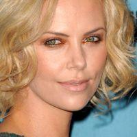 Charlize Theron ... elle rejoint le projet de Clint Eastwood et Leonardo DiCaprio