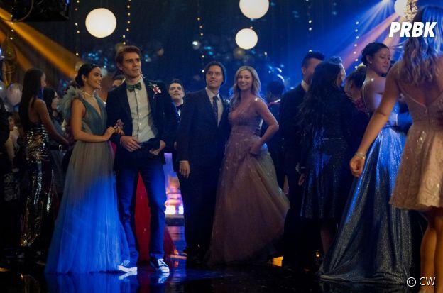 Riverdale saison 5, épisode 1 : une photo du bal de promo