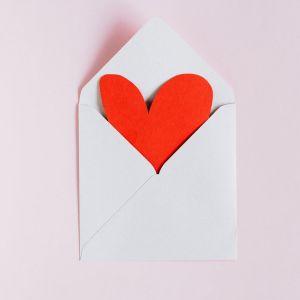 Saint-Valentin 2021 : 10 idées de cadeaux à shopper pour son mec