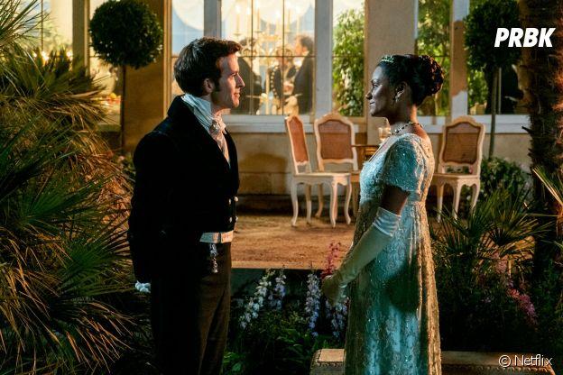 La Chronique des Bridgerton saison 2 : Anthony (Jonathan Bailey) et Kate (Simone Ashley) sur une photo