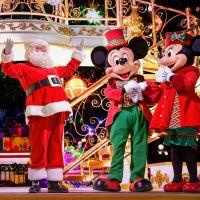 Disneyland Paris : vivez la magie de Noël avec la nouvelle parade, le spectacle d'illuminations...