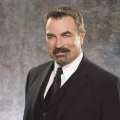 Tom Selleck ... on lui interdit de raser sa moustache