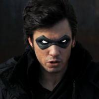 Orelsan en vengeur masqué  ... Découvrez Raelsan, son nouveau clip (VIDEO)