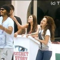 Secret Story 5 : amour, soleil, les candidats jouent au ping-pong musical (VIDEO)